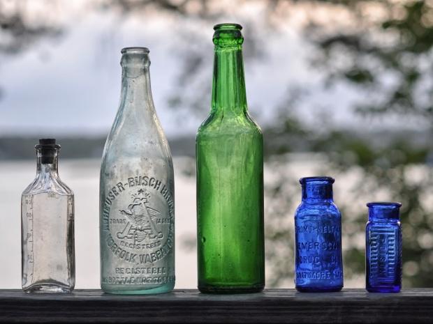 antique bottles 070